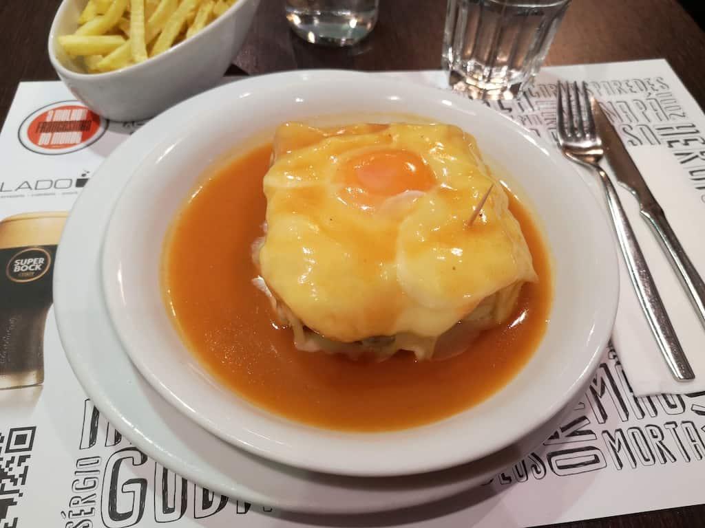 Porto best places to eat francesinha