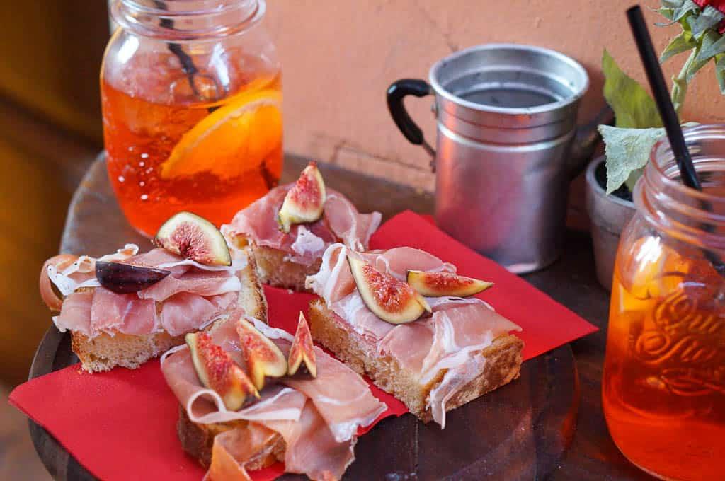what is Italian aperitivo