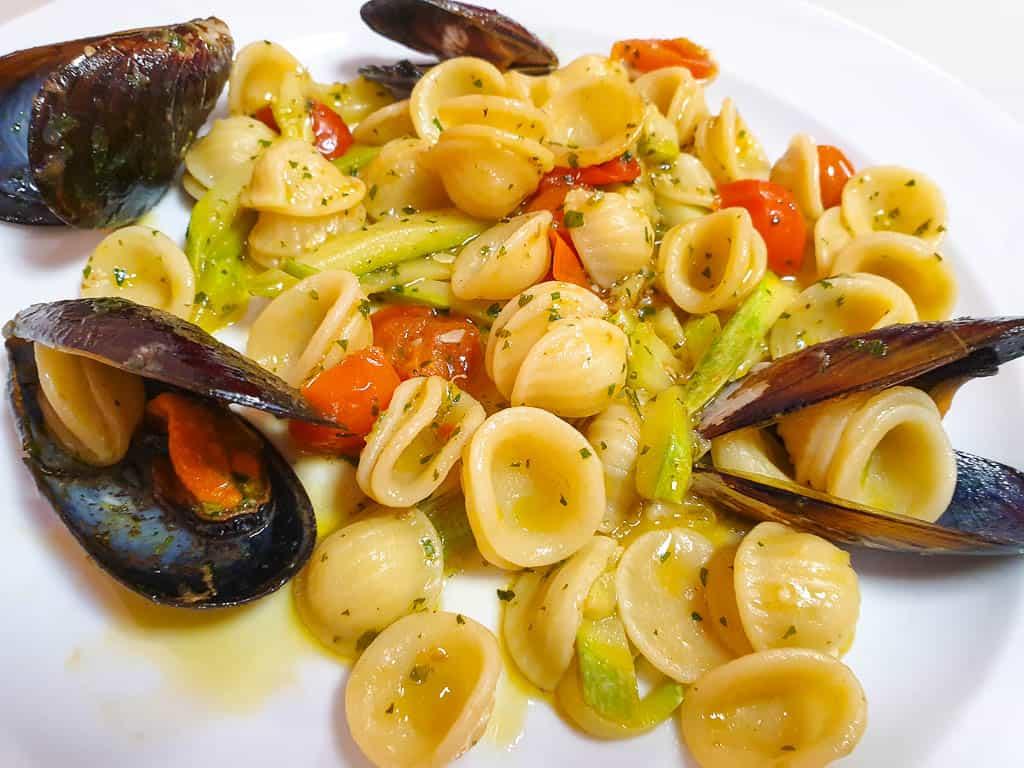 Sardinia diet - seafood and pasta