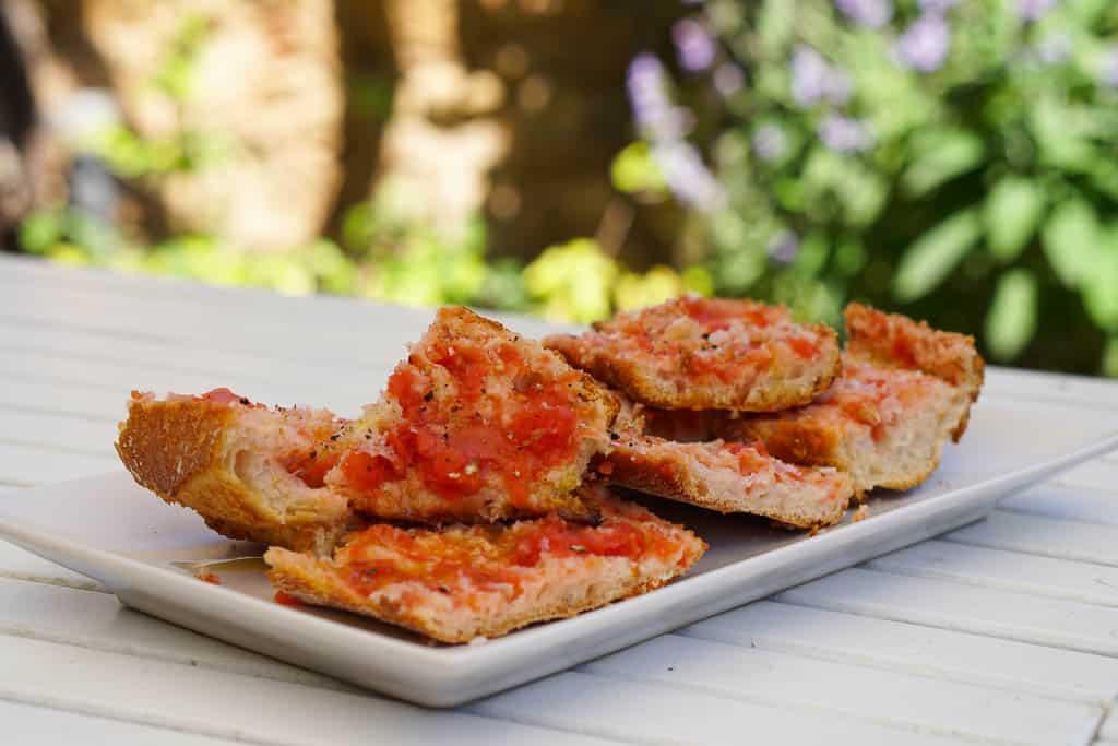 Pa Amb Tomàquet - Bread With Tomato