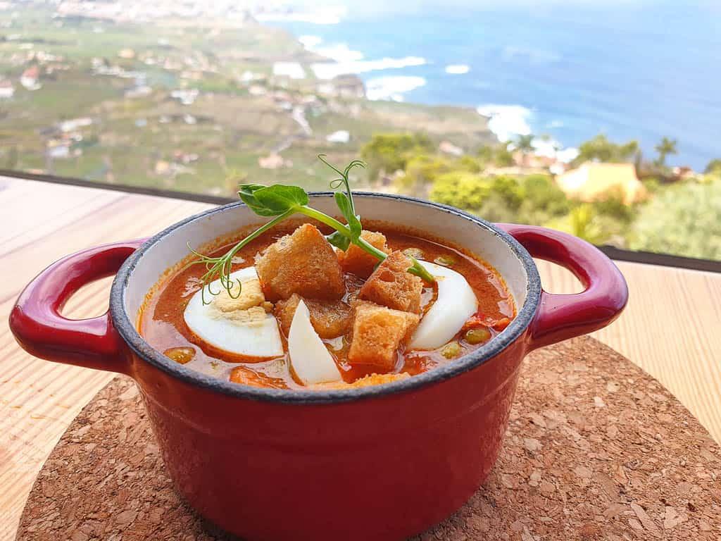 arvejas con huevo duro in Canary Islands