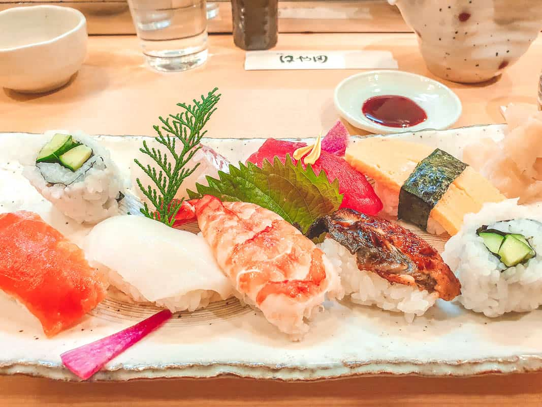 Sushi Eating Etiquette - How To Eat Sushi In Japan