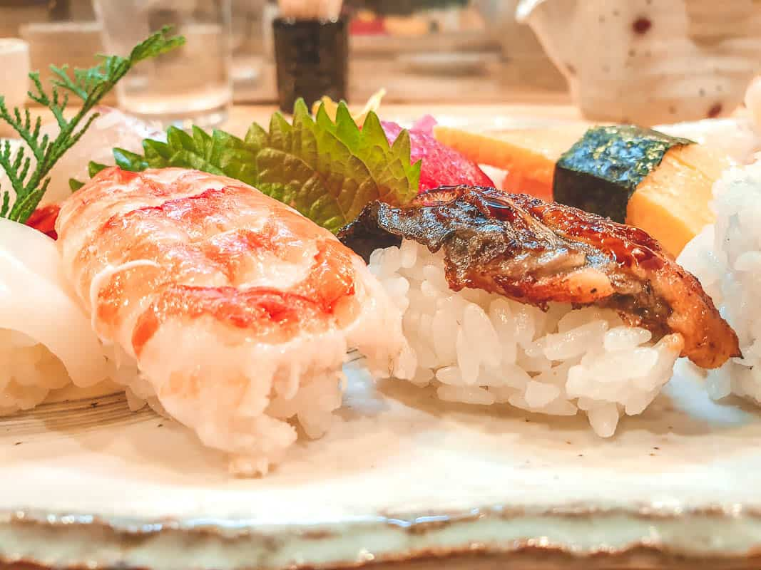 correct way to eat sushi in Japan
