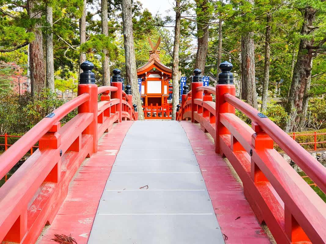 suggested itinerary for japan including Wakayama