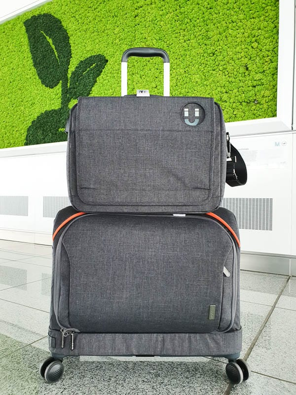large weekender bag with wheels