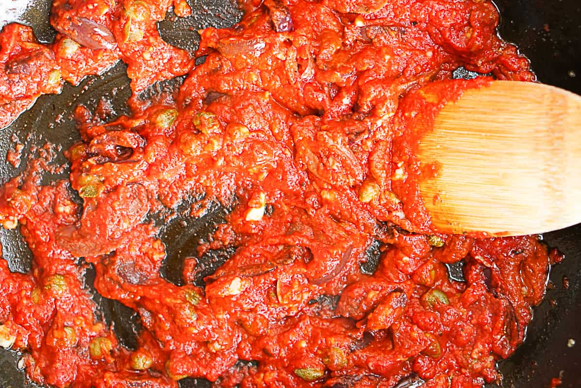 cooking harissa sauce