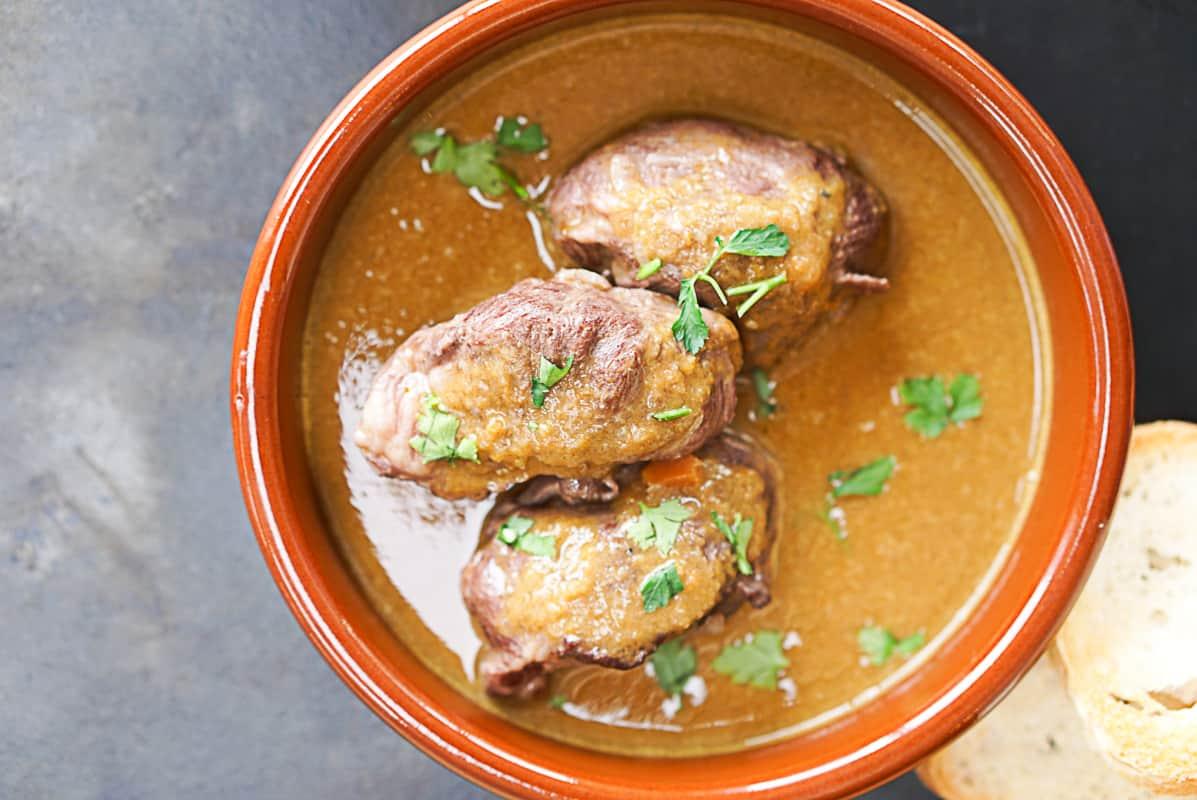 Carrilladas De Cerdo Recipe - Spanish Braised Pork Cheeks